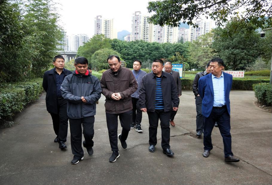 省水利厅刘辉副厅长检查青衣江流域管理保护工作
